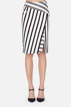 Arcadia Skirt – Black Blanket Stripe In creating this sleek, sharply cut skirt, Altuzarra reveals his knack for reinterpreting classics, transforming a timelessly chic pencil skirt into a statement piece with a play of angles. Skirt Pants, Dress Skirt, Black Blanket, Stripe Skirt, Mode Inspiration, Fashion Outfits, Womens Fashion, Dress Fashion, Skirt Outfits