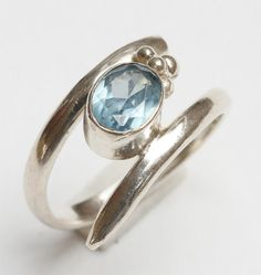 One, Vintage Bali Sterling Silver 925 ladies' ring  with blue topaz UK Size : O / USA Size - 7