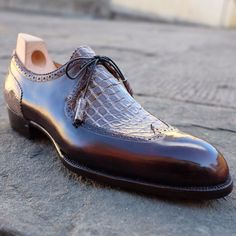 Genuine Alligator Dress Shoes for Men - Mens Fashion Shoes, Men S Shoes, Fashion Hats, Fashion Dresses, Gentleman Shoes, Simple Shoes, Leather Dress Shoes, Dress Boots, Dream Shoes
