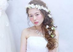花冠は斜め掛けが可愛い Bridal Hair Up, Wedding Hair And Makeup, Hair Makeup, Hair Up Styles, Hair Arrange, Hair Setting, Japanese Hairstyle, Star Wedding, Creative Hairstyles