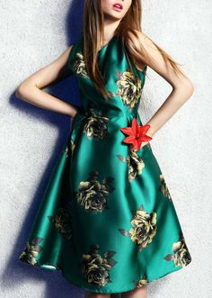 Green Sleeveless Flower Print Flare Dress