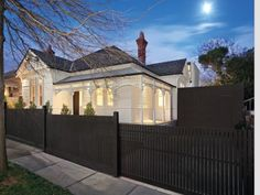 Dark roof, white house Photo of a weatherboard house exterior from real Australian home - House Facade photo 525917 House, House Front, Fence Design, House Exterior, Exterior House Colors, House Styles, Weatherboard House, Australian Homes, Edwardian House