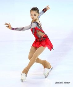 Russian Figure Skater, Skate 4, Miss Perfect, Ice Skaters, Ice Dance, Figure Skating Dresses, Sports Figures, Glamour, Dance Outfits
