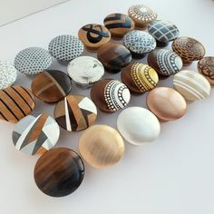 Drawer knob Single Knob Home Decor Knobs modern farmhouse Painted Drawers, Diy Drawers, Wood Drawers, Dresser Drawers, Vintage Doors, Antique Doors, Antique House, Architecture Antique, House Architecture