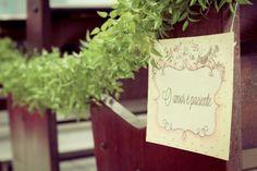 Ideias criativas para casamento: plaquinha personalizada para o corredor da passarela  - Foto WM Imagens