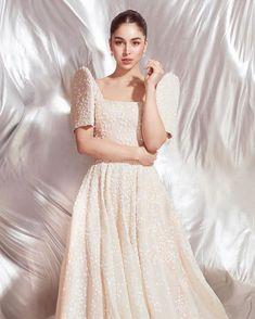 How These Filipino Designers Reimagined Modern Filipiniana Modern Filipiniana Gown, Filipiniana Wedding Theme, Wedding Gowns, Debut Gowns, Filipino Wedding, Filipino Fashion, Grad Dresses, Traditional Dresses, Designer
