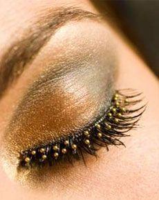 Eyelashes for partying