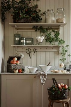 Kitchen Interior, Interior And Exterior, Cosy Kitchen, Wooden House, Autumn Home, Interior Design Inspiration, Rustic Decor, Sweet Home, Modern