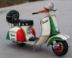 Miniature Retro Style 1955 Vespa Motorcycle by SimpleSmart Piaggio Scooter, Vespa Scooters, Vespa Motorcycle, Classic Vespa, Iron Sheet, Kids Scooter, Metal Models, Vintage Children, Motorbikes