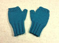 Kinder Armstulpen 2 bis 3 J. Smaragd, handgestrickt, fingerlose Handschuhe Merino Schurwolle von frostpfoetchen auf Etsy