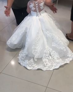 Wedding Dresses Ball Gown - New ideas Wedding Dresses For Kids, Gowns For Girls, Frocks For Girls, Princess Wedding Dresses, Little Girl Dresses, White Dresses For Kids, Baby Wedding Outfit Girl, Gown Wedding, Lace Wedding