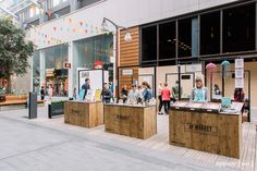 Quirky Builds creates pop-up flatpack market stalls for Appear Here Up Market at… Tent Design, Kiosk Design, Facade Design, Booth Design, Signage Design, Design Shop, Design Design, Graphic Design, Window Display Retail