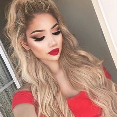 """Love my @foxylocks Luxurious extensions for length and volume! I use the shade """"Latte blonde"""". These are the best I've ever tried ❤️ use code """"FoxyAlina"""" for some sweet discount"""