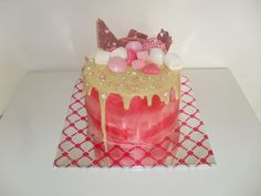 Roze drip taart met snoepjes/ Pink drip cake with candy