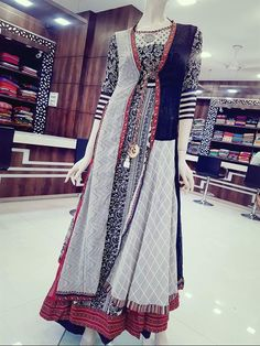 Kurti with Muslin print mix and match with detailing Indian Western Dress, Western Dresses, Indian Wear, Indian Designer Outfits, Designer Dresses, Fashion Wear, Fashion Dresses, Cute Dresses, Casual Dresses