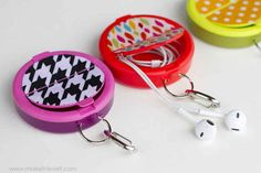 Never lose your headphones in your bag again — by storing them in an upcycled mint container.