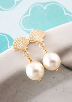 List 11 Greek-Style Pearl Earrings – Top Pretty Design From Famous Fashion Blog - DIY Craft (2)