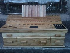 Stand of all stands, mahoosive Oak stand with built in coiling station in top drawer :)