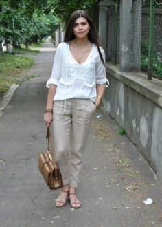How to wear linen pants women Mens Linen Outfits, Linen Pants Outfit, Linen Pants Women, Pants For Women, Clothes For Women, Linen Shorts, Clubbing Outfits, Casual Outfits, Summer Outfits