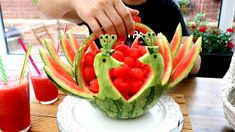 ItalyPaul - Art In Fruit & Vegetable Carving Lessons: Art In Watermelon Peacock - Fruit and Vegetable Ca...