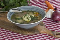 Soup and Semolina Dumplings Dumplings, Alps, Veggies, Soup, Ethnic Recipes, Chef Recipes, Cooking, Vegetable Recipes, Vegetables