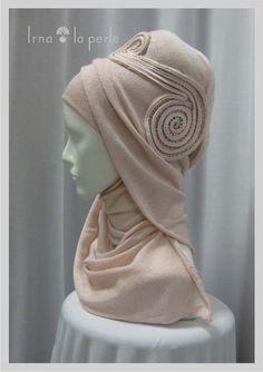 Head Accessories For The Muslim Bride