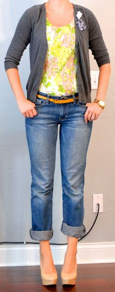 outfit post: grey cardigan, green & yellow floral blouse, boyfriend jeans | Outfit Posts Dynamic