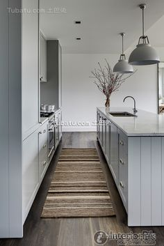 North European-style small apartment kitchen design pictures Check more at http://www.interiorpik.com/north-european-style-small-apartment-kitchen-design-pictures.html