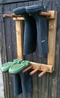 WALL MOUNTED WELLY RACK WELLINGTON RIDING BOOT RACK 4 PAIR 44 x 28 x 60 cm