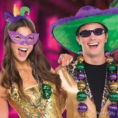 Strut your stuff at the masquerade ball with giant Mardi Gras necklaces that will stand out from the crowd!