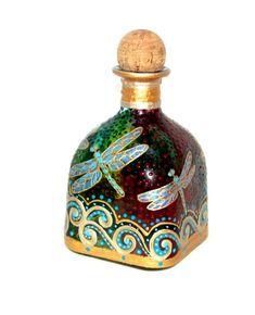 Patron Bottle Crafts, Glass Bottle Crafts, Patron Bottles, Painted Glass Bottles, Painted Wine Glasses, Dragonfly Decor, Wine Bottle Art, Wine Bottles, Jar Art