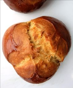 Osterpinze Austrian Easter Bread: Osterpinze is a delicious Easter bread, made with an enriched yeast dough (milk, eggs, egg yolks and butter) and flavoured with anise wine and lemon zest.