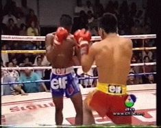 Slick headkick from young Buakaw.