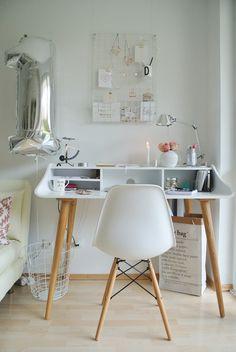 1. Bloggeburtstag-living.elements-Schreibtisch