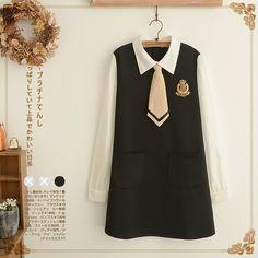 Váy liền đen tay trắng phong cách Nhật Bản