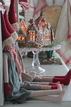 You can`t use up CREATIVITY. Christmas Images, Christmas Time, Xmas, Vibeke Design, Christmas Decorations, Table Decorations, Scandinavian Christmas, Country Christmas, Merry And Bright