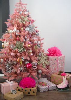 If I could pull this one off for Christmas a pink tree.. I so would, in a heart BEAT! ;) I love it!