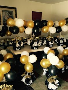 Black and gold babyshower centerpieces