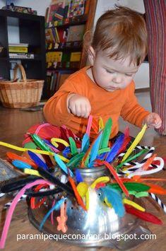 Para mi peque con amor: Arte y color con un escurridor Activities For 2 Year Olds, Gross Motor Activities, Montessori Activities, Infant Activities, Baby Sensory Board, Baby Sensory Play, Baby Play, Toddler Classroom, Toddler Preschool