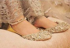 Indian Shoes, Wedding Shoes Bride, Bridal Sandals, Cinderella Shoes, Crochet Shoes, Latest Shoes, Trendy Shoes, Beautiful Shoes, Pumps Heels