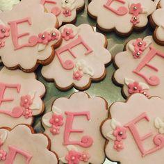 #the_cakery_athens #baptism #cookies #fondantcookies #fondantflowers #pink #babygirl #baking #cookiedecorating #decoration #vanillacookies #instafood #instaathens