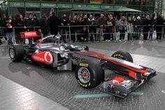 El equipo McLaren informó este martes de que será a partir del 1 de diciembre cuando anuncie el nombre de sus pilotos para la temporada 2015 del Campeonato del Mundo de Fórmula Uno.