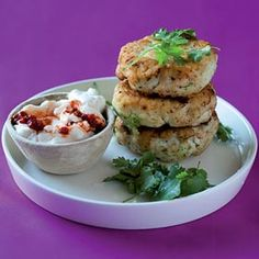 Asian fish cakes with chilli mayonnaise. 500 g fillet of hake 1 chopped chilli 2 crushed cloves garlic 1 x 5 cm piece ginger, grated ½ cup coriander 2 T hot oil 3 red chillies 2 T olive oil Mayonnaise Fish Dishes, Seafood Dishes, Fish And Seafood, Seafood Recipes, Great Recipes, Favorite Recipes, Supper Recipes, Delicious Recipes, Recipe Ideas