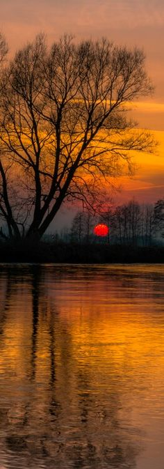 beautiful sunset on the water...