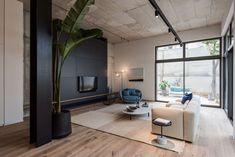 Bar Orian Architects tops historic Tel Aviv villa with slatted box to create The Levee Tel Aviv, Lofts, Bauhaus, Villas, Interior Architecture, Interior Design, Grand Homes, Luxury Accommodation, Historic Homes