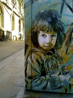 "C215, retratos en Barcelona | Christian Guemy's street art in Barcelona, this one dedicated to his daughter entitled ""Nina I love you."""