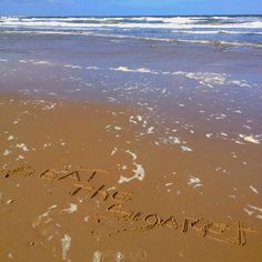 Beat The sigaret @perlafantastika #jenaaminhetzand #yournameinthesand free photo from #texel