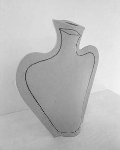 black and white - vase - Guido de zan Ceramic Clay, Ceramic Plates, Pottery Vase, Ceramic Pottery, Bottle Vase, White Vases, Ceramic Design, Clay Art, White Ceramics