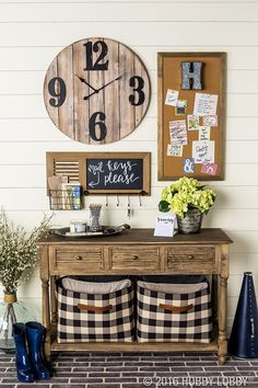 Get organized and stay organized with an on-trend space full of fresh, farmhouse elements.  Create customized storage baskets with Simplicity pattern 8107 and Black & Tan Sandwell Home Decor fabric (SKU: 951053).  Add leather handles to achieve this farmhouse look!