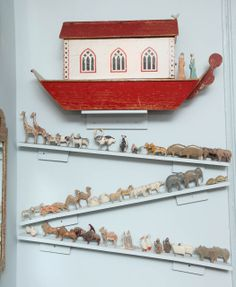 Large Turn of the Century Carved and Painted Noah's Ark image 2